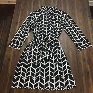 Donna Morgan blacks and white pattern shirt dress